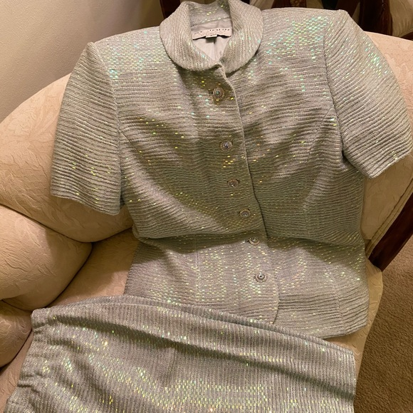Short sleeve light silver and blue St. john suit
